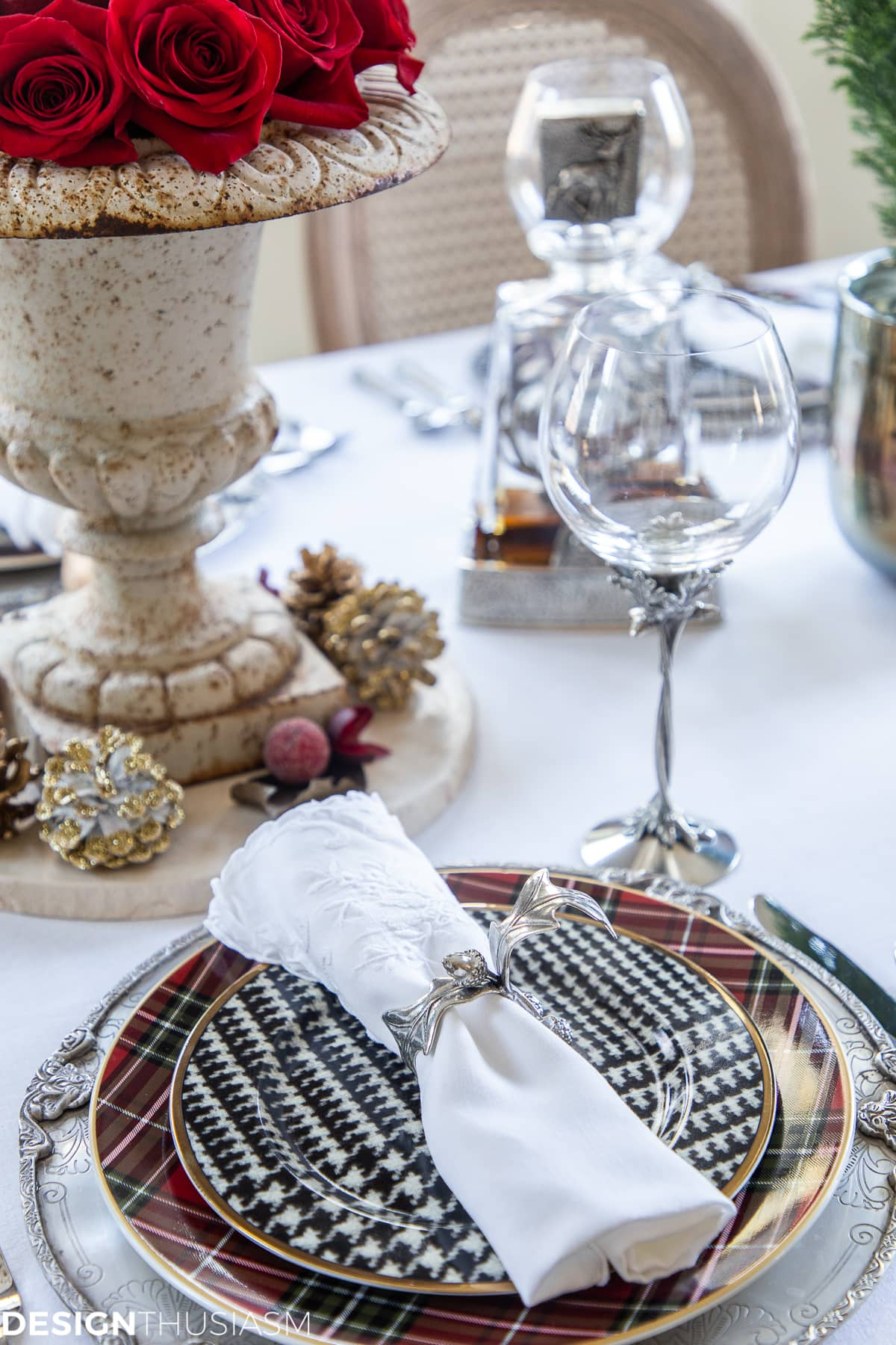 elegant Christmas table decorations