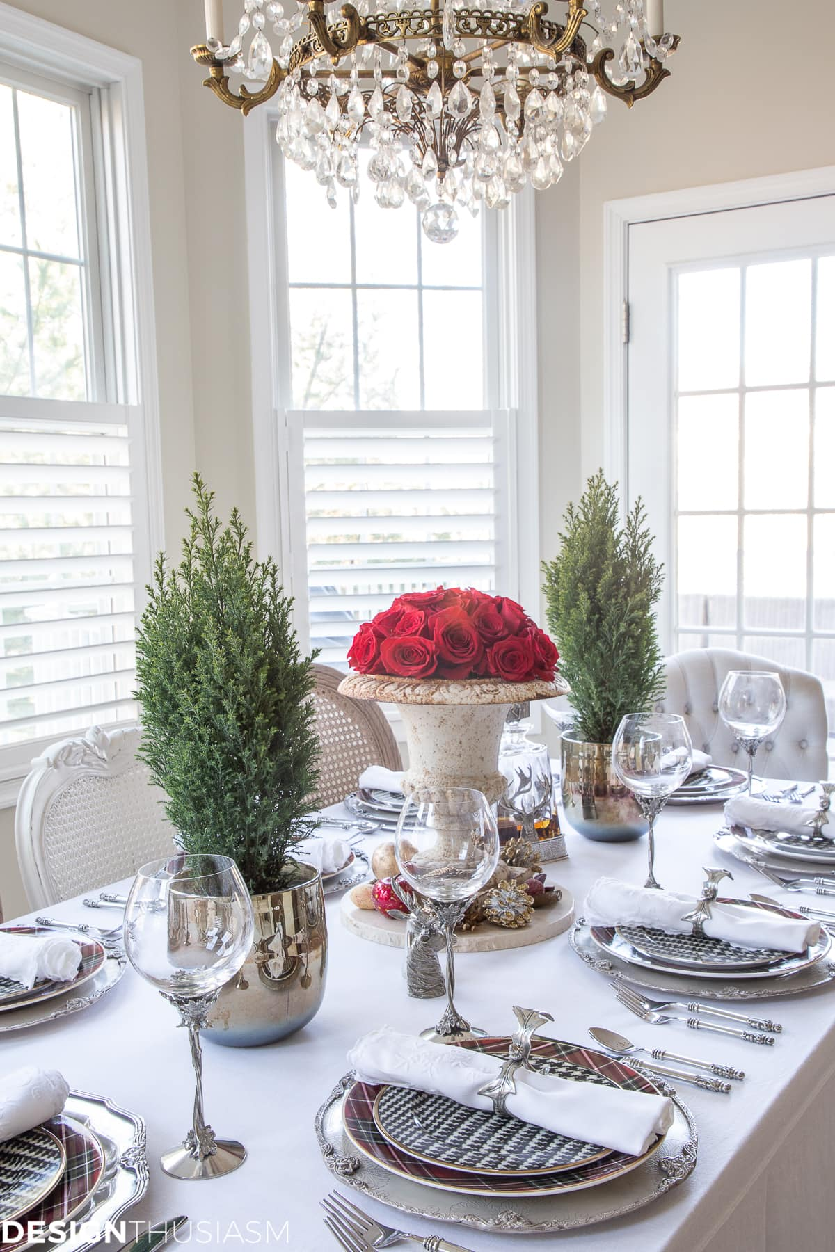 chic Christmas table setting