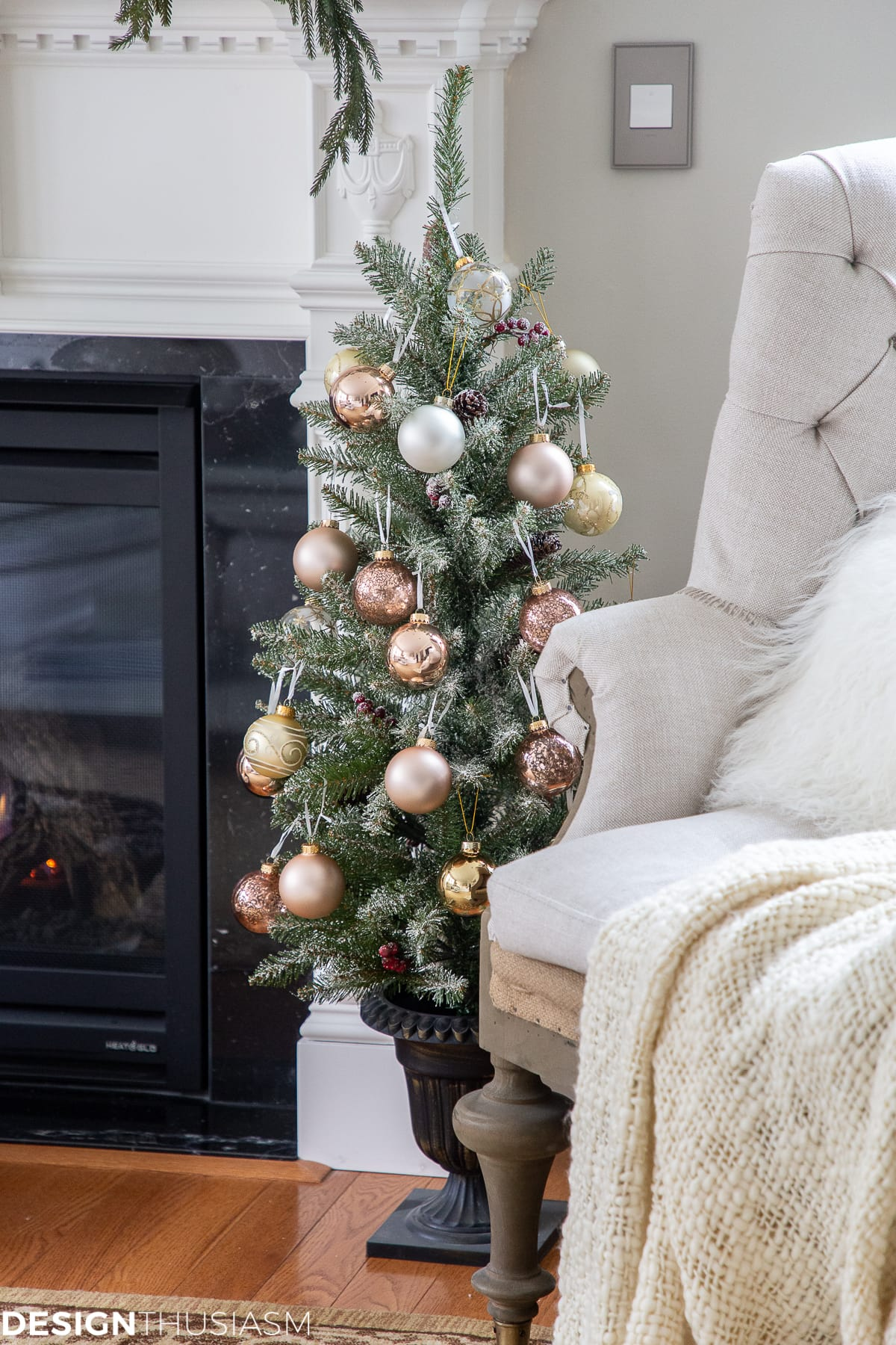 Christmas living room decorating with metallics
