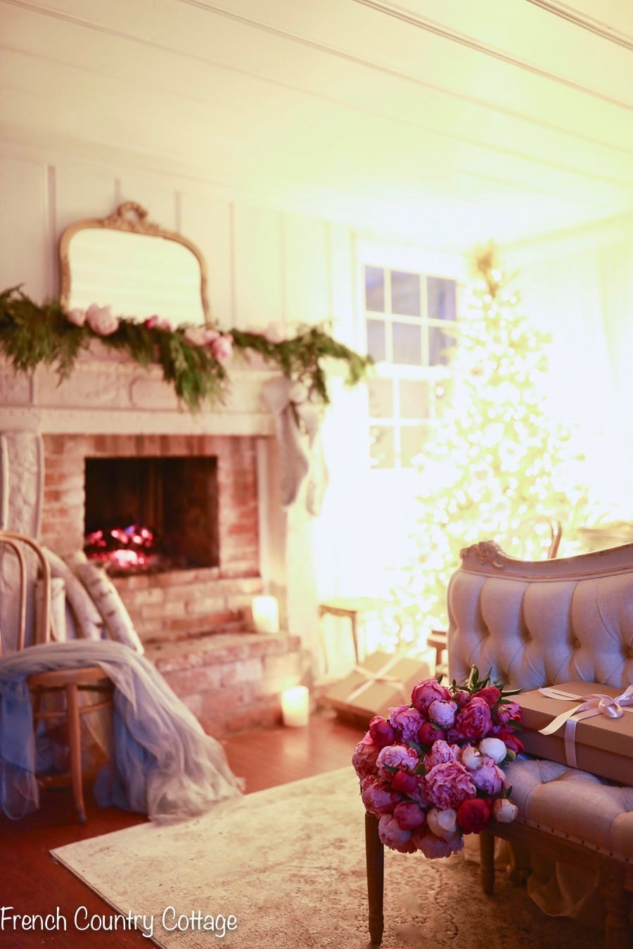 French Country Fridays- Christmas Cottage Bedroom - FRENCH ...