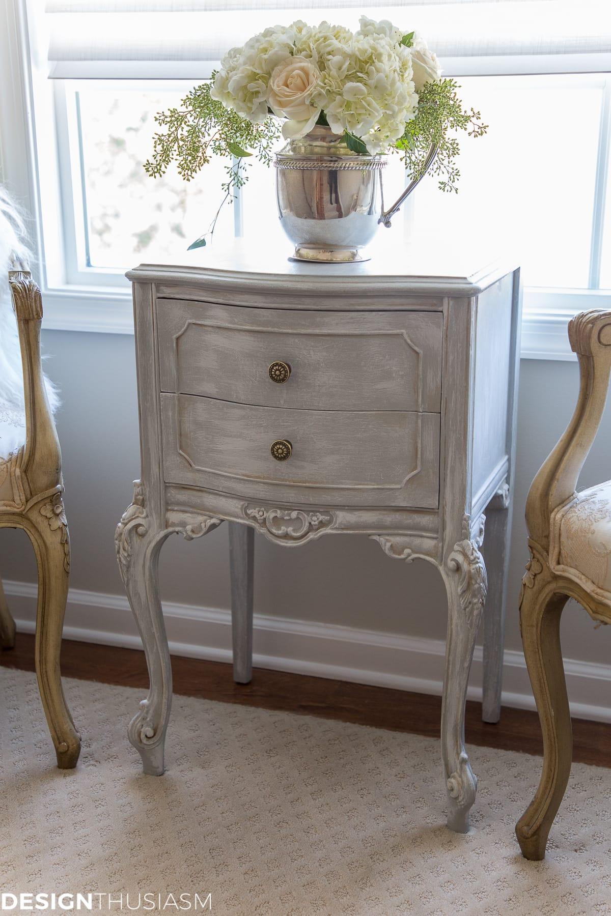 DIY painted furniture decor