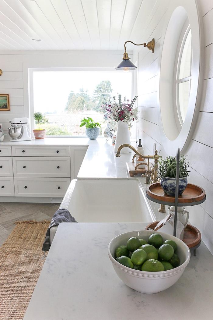 household-tasks-organize-life-shiplap-kitchen