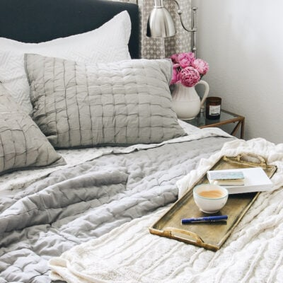thinking-pink-inspired-room-guest-room-cozy-bed