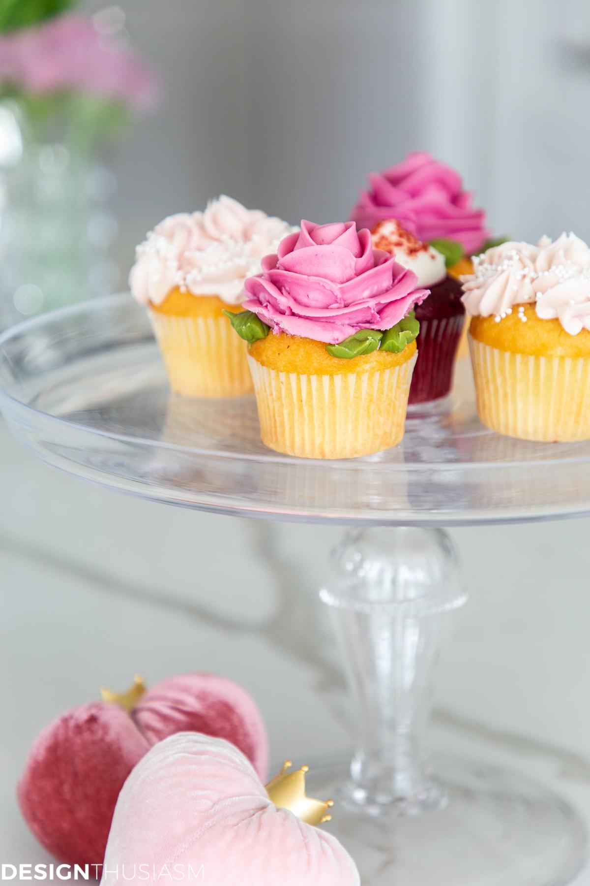 romantic cupcakes kitchen decor