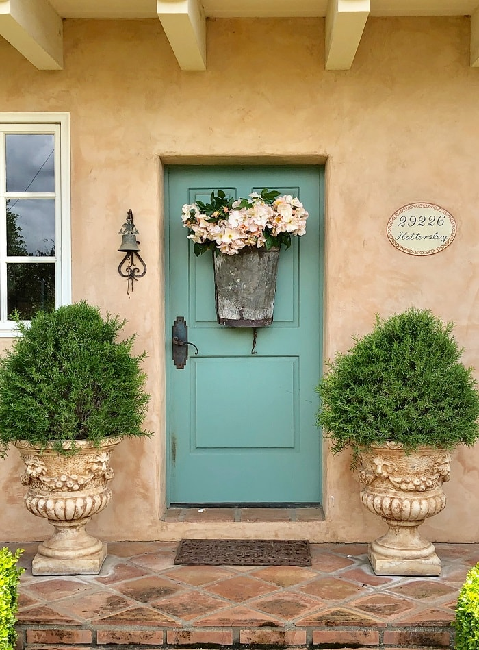 Front Door Decor from Rough Luxe Lifestyle