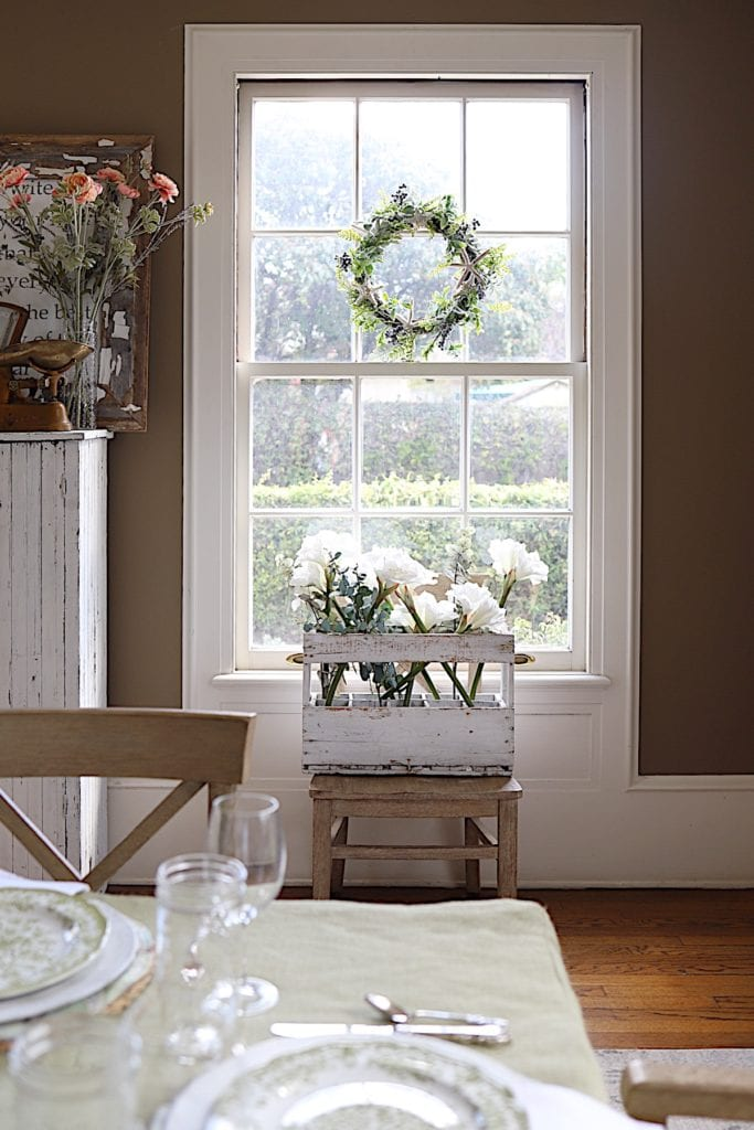 How-to-Make-Paper-Flowers-and-dining-table