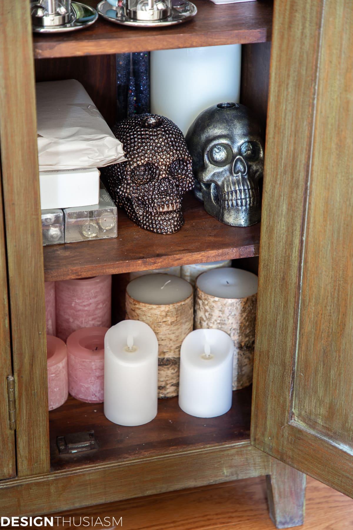 tableware cabinet