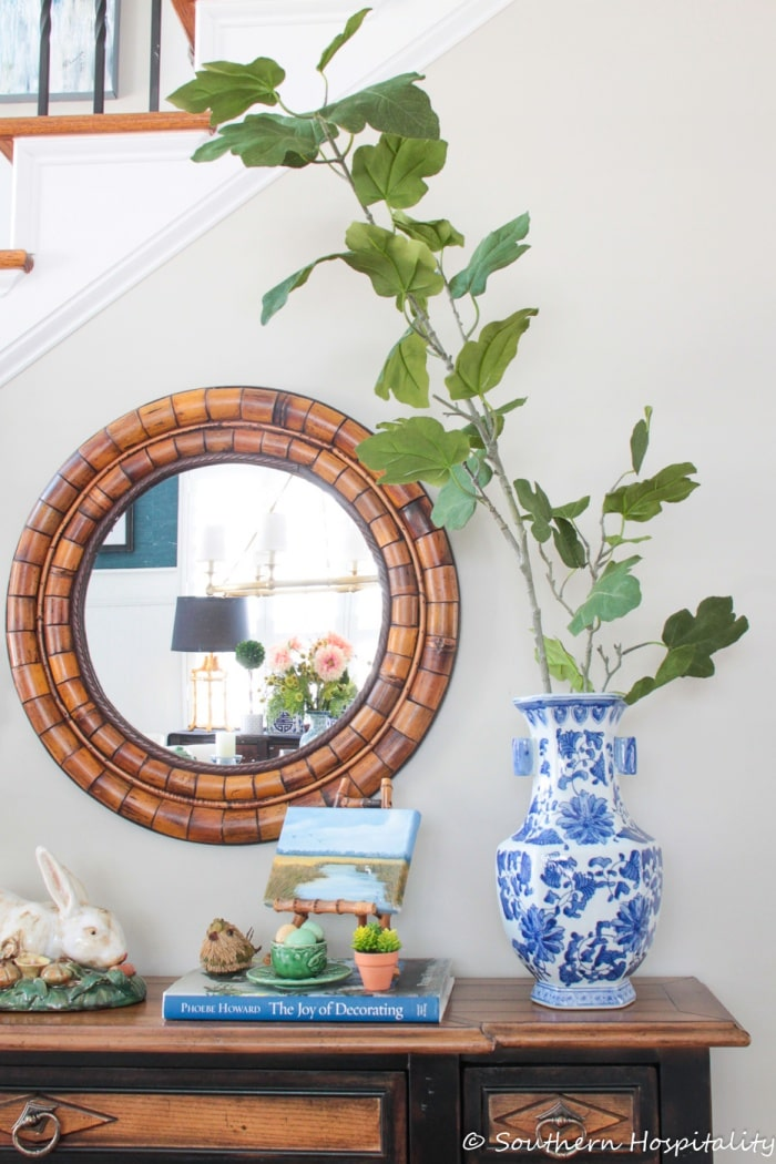southern hospitality spring-foyer-ideas