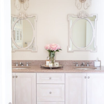 Bathroom Makeover: Builder Grade Bathroom Update on a Budget