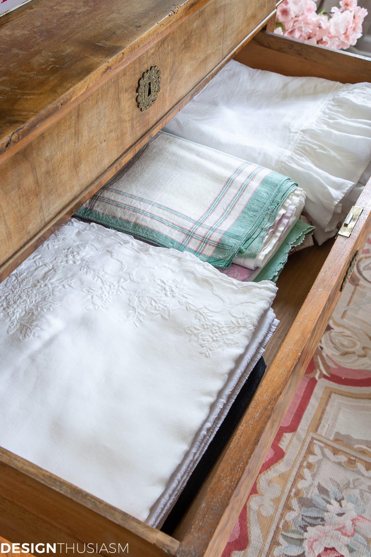 tablecloth drawer organization