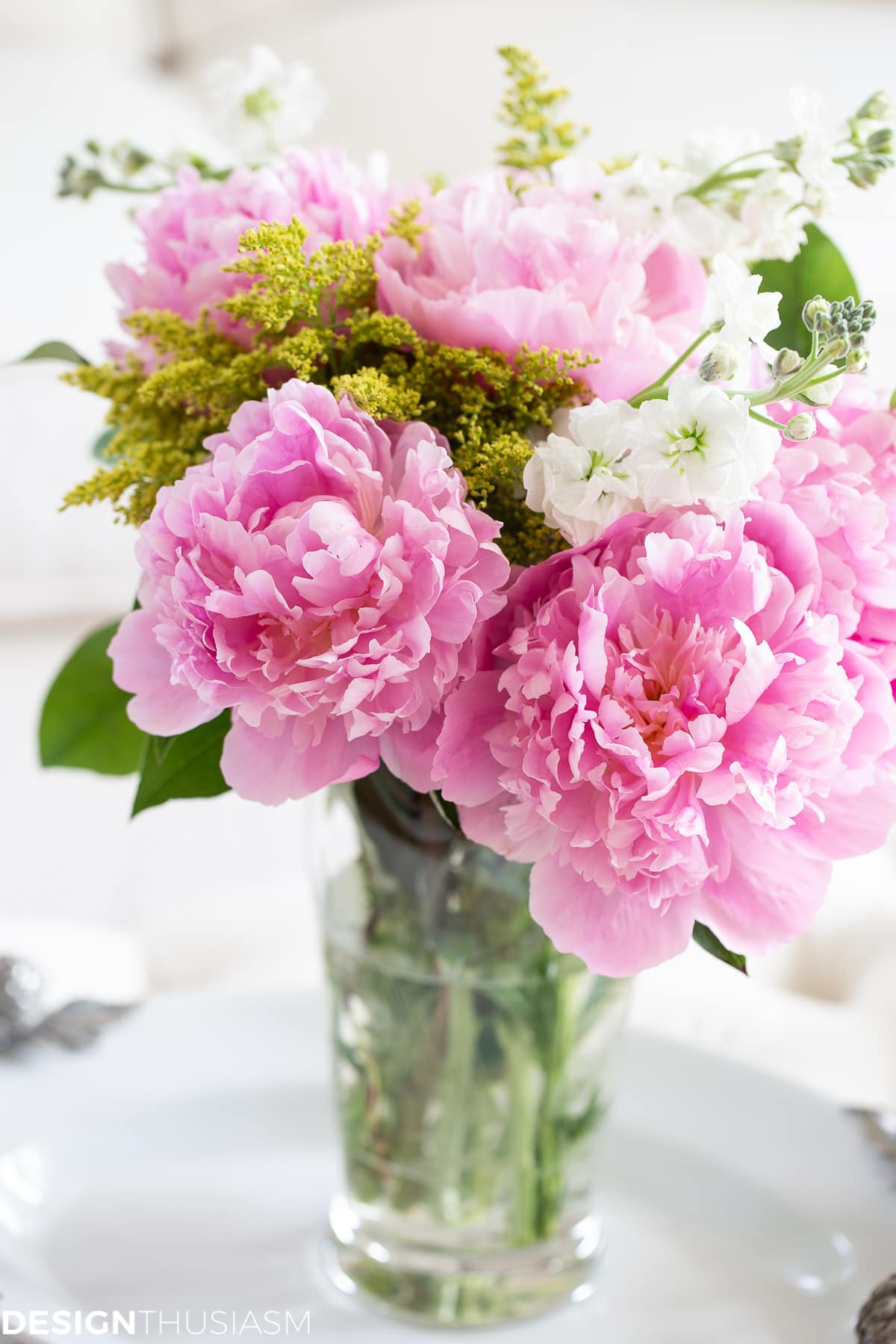 fresh flowers for home staging