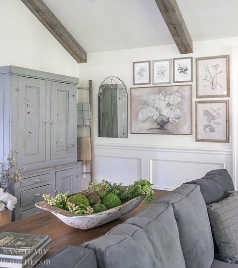 How_to_decorate_a_blank_wall