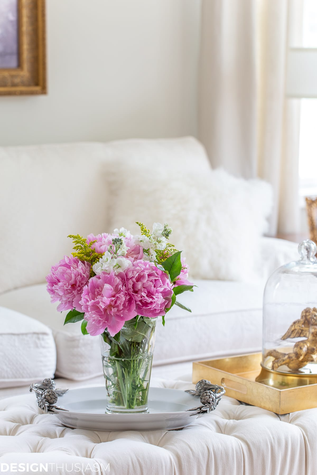 updating your home living room with flowers