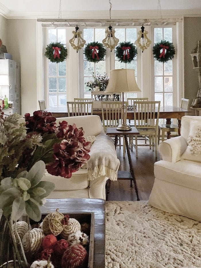 Christmas-decorations-at-home