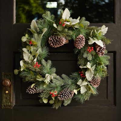 The Emporium: 50 Gorgeous Christmas Wreaths and Swags