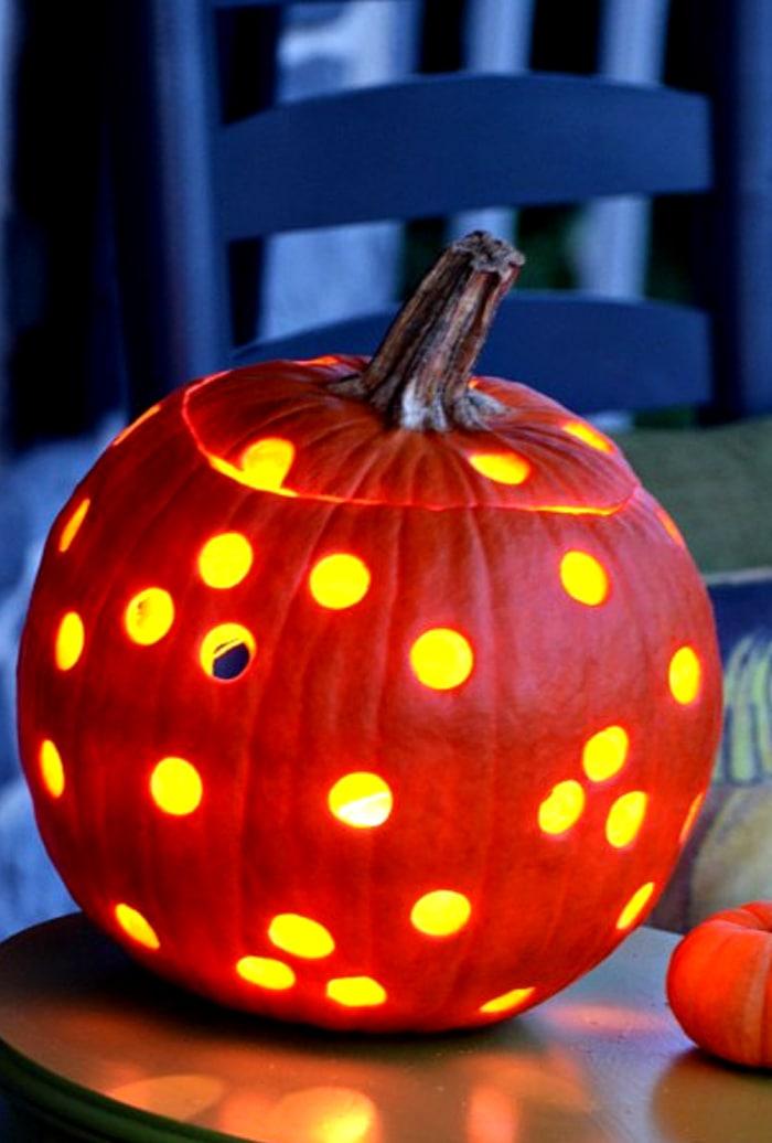 HOLEY-PUMPKINS-pumpkin-glowing-stonegableblog.com
