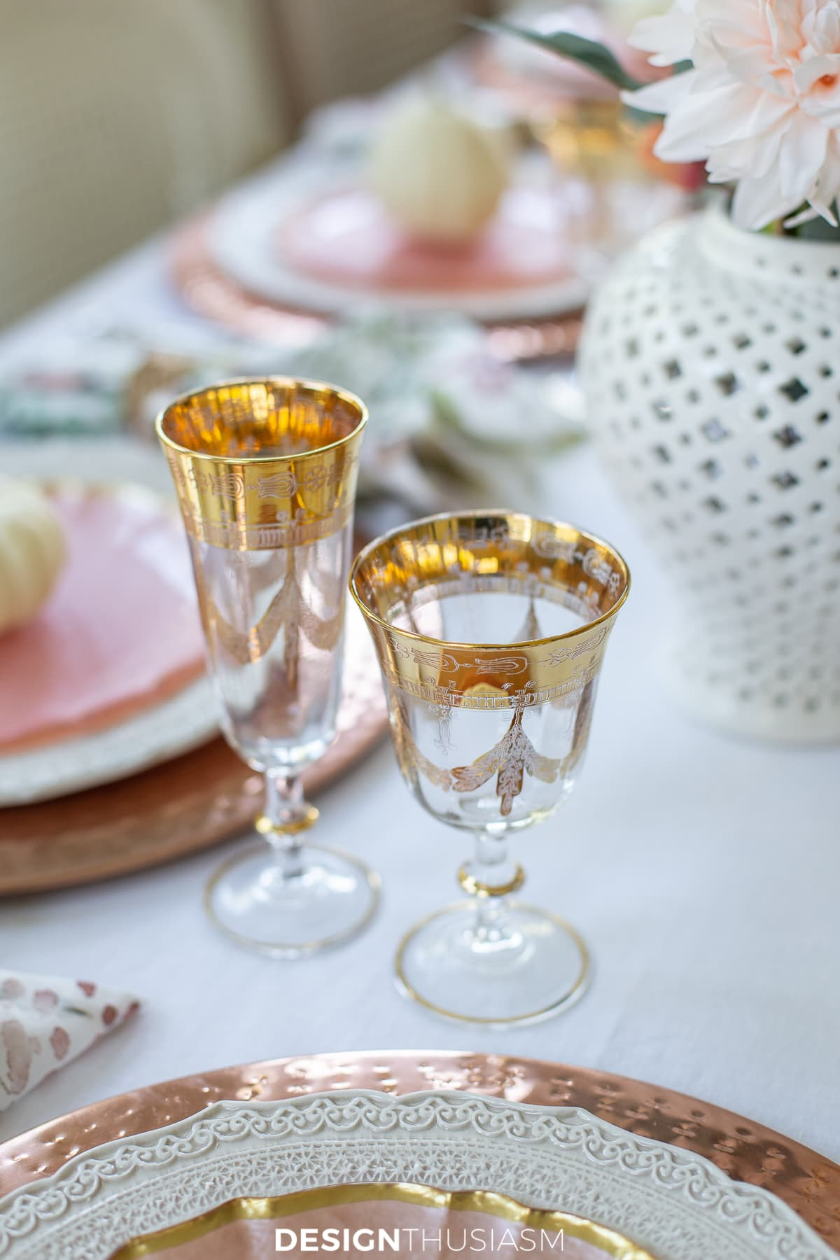 Thanksgiving table decor wine glasses
