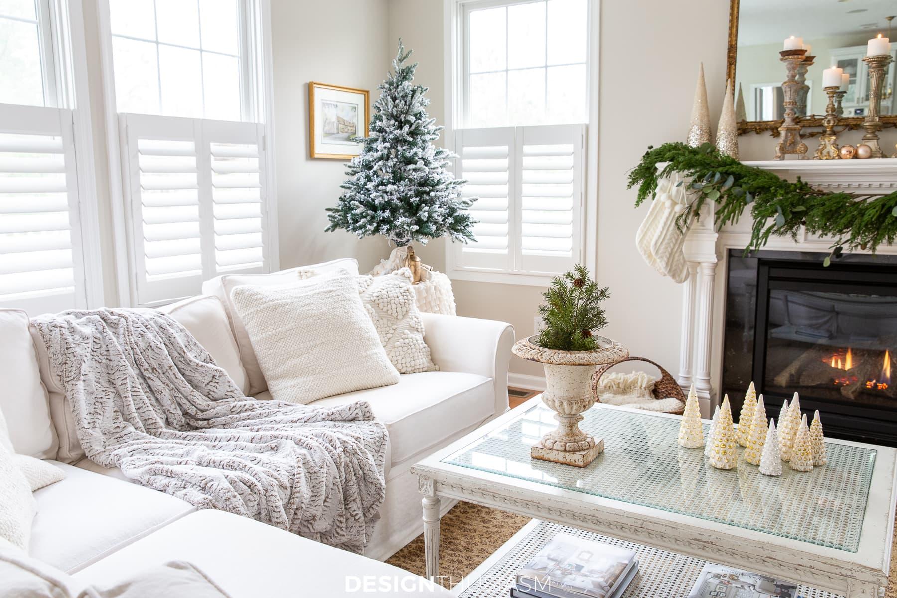 christmas family room decor and tabletop tree