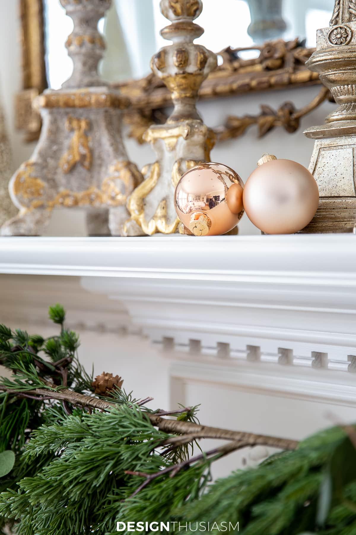Christmas mantel ornament decor