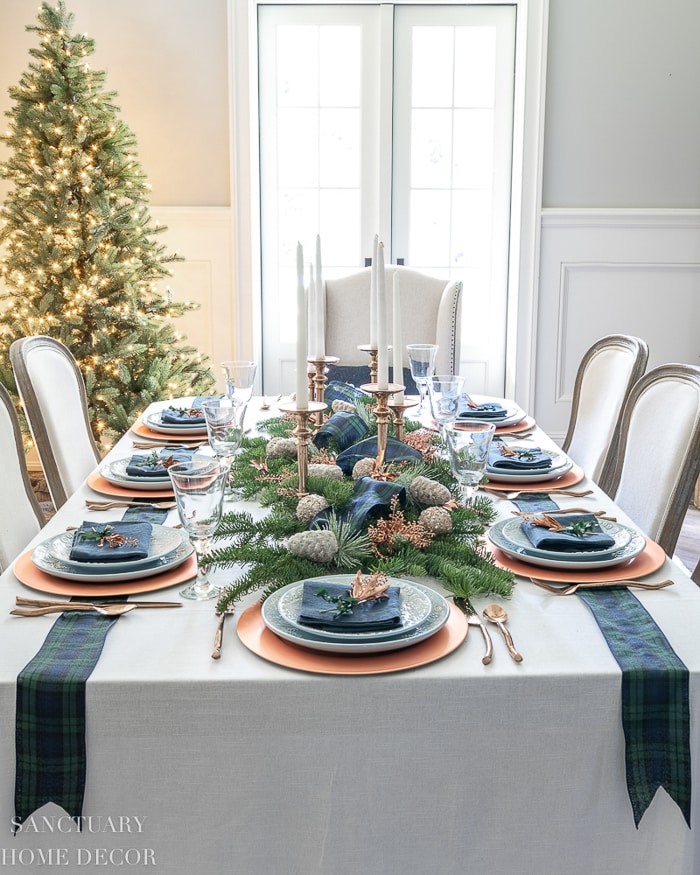 Easy_Christmas_Table_Setting
