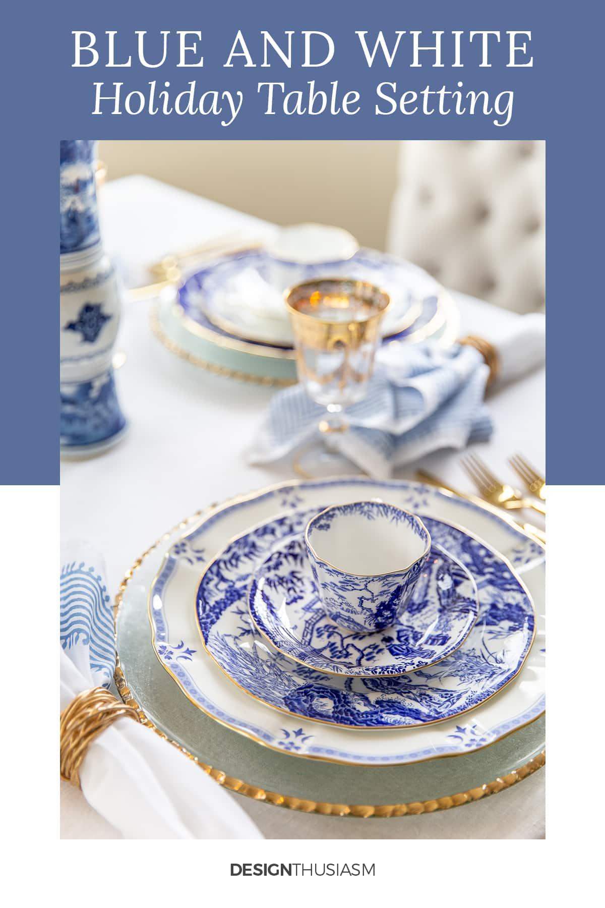 mesa de férias em porcelana azul e branca
