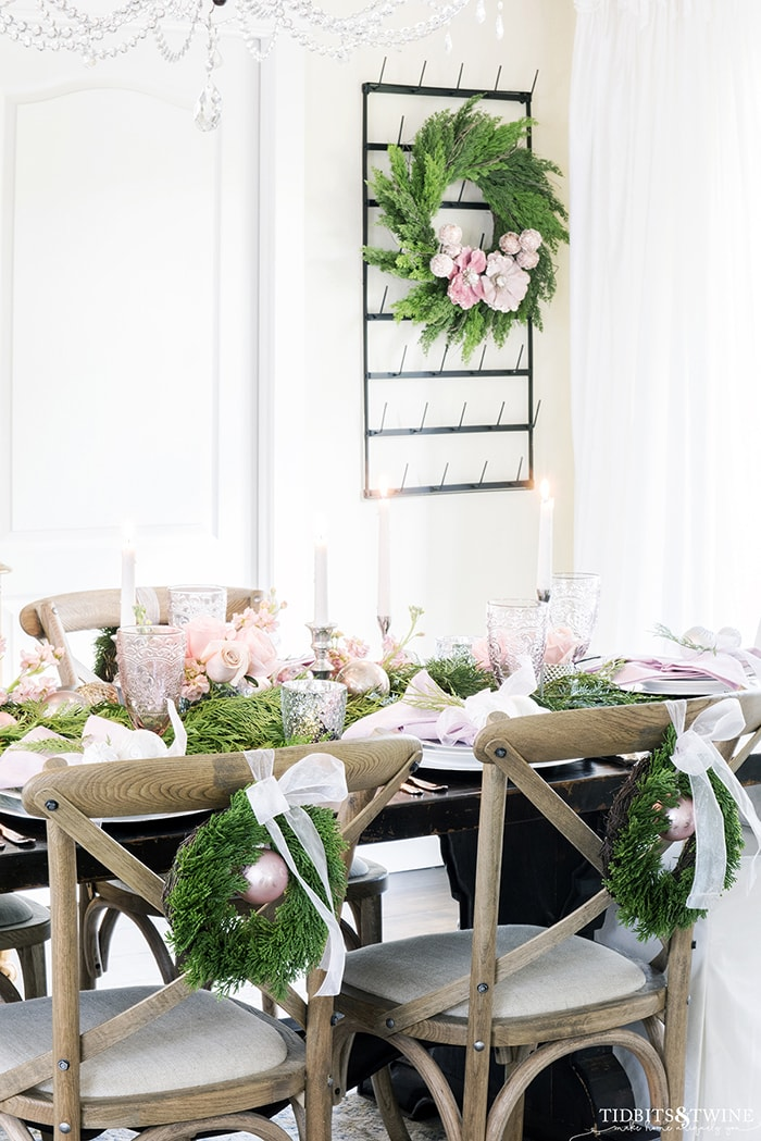 A Sweet & Simple Christmas Tablescape