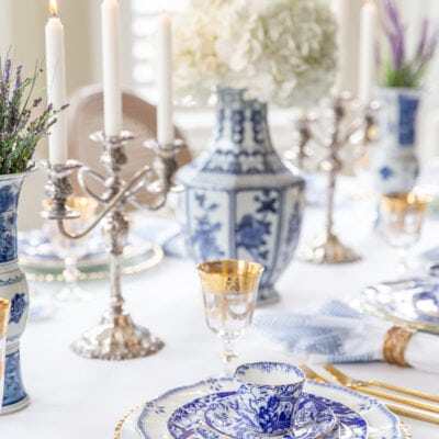 Using Blue and White China in a Beautiful Holiday Table Setting