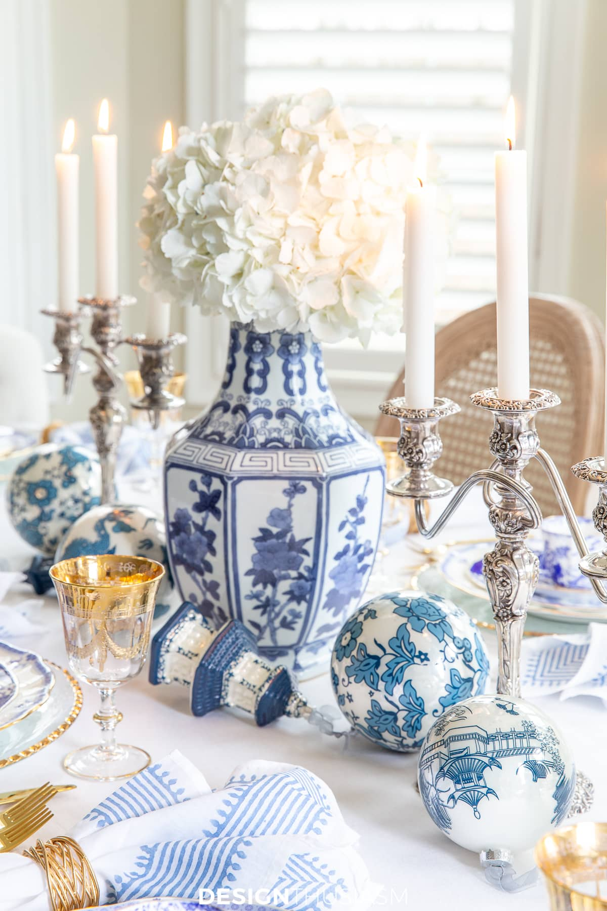 blue and white china Christmas table setting