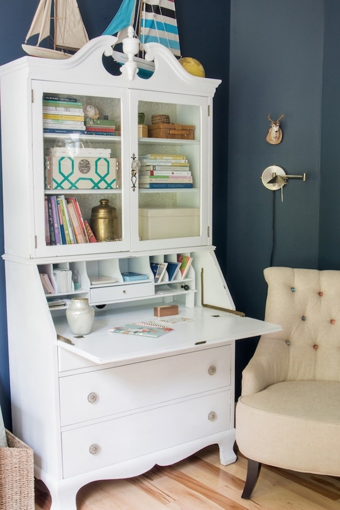nine-clever-organizers-tidy-home-The-Inspired-Room-White-Secretary-Hutch-Navy-Walls