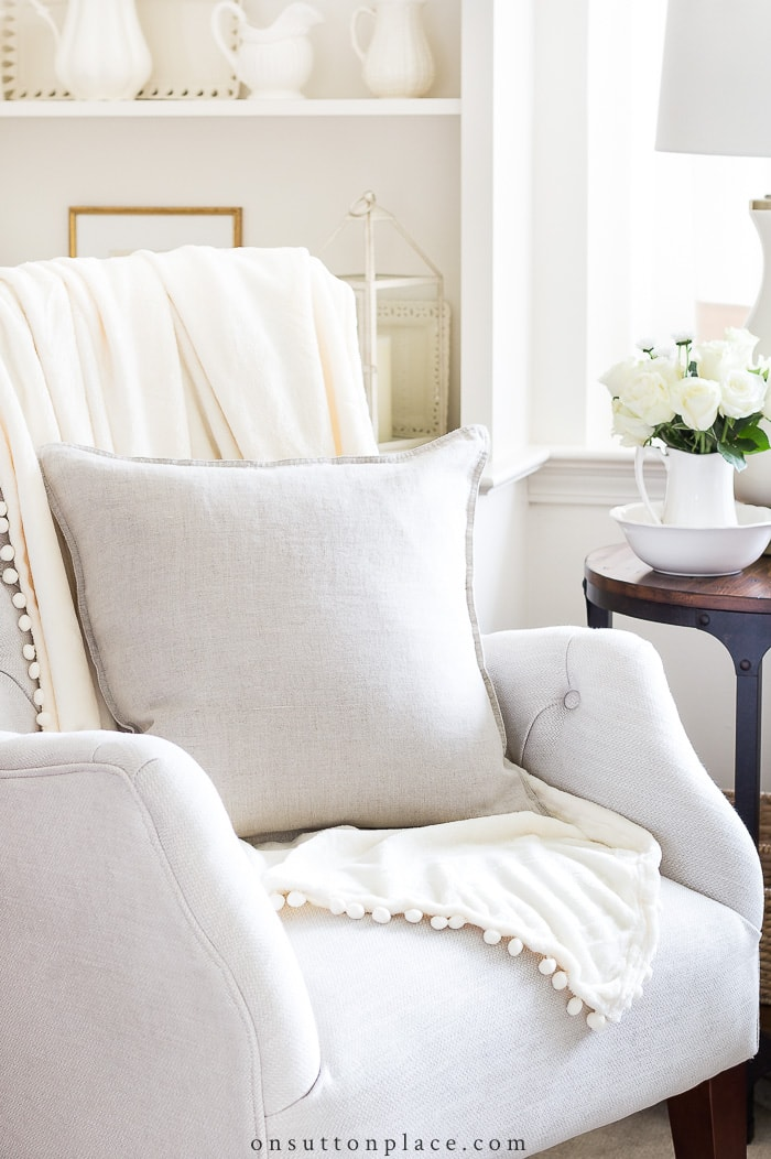 Guide to Farmhouse Pillows from On Sutton Place