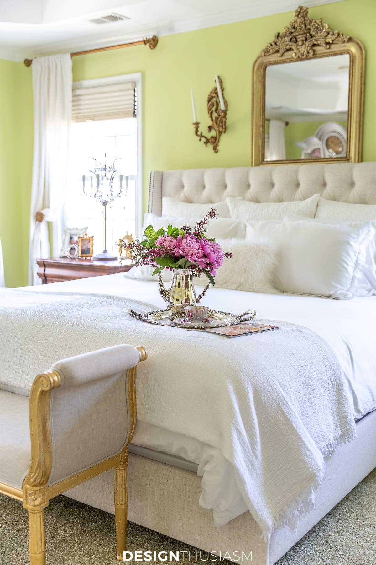 luxury living bedroom