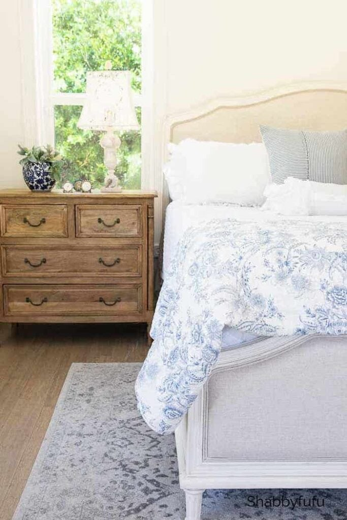 Summer Bedroom Tips from Shabbyfufu