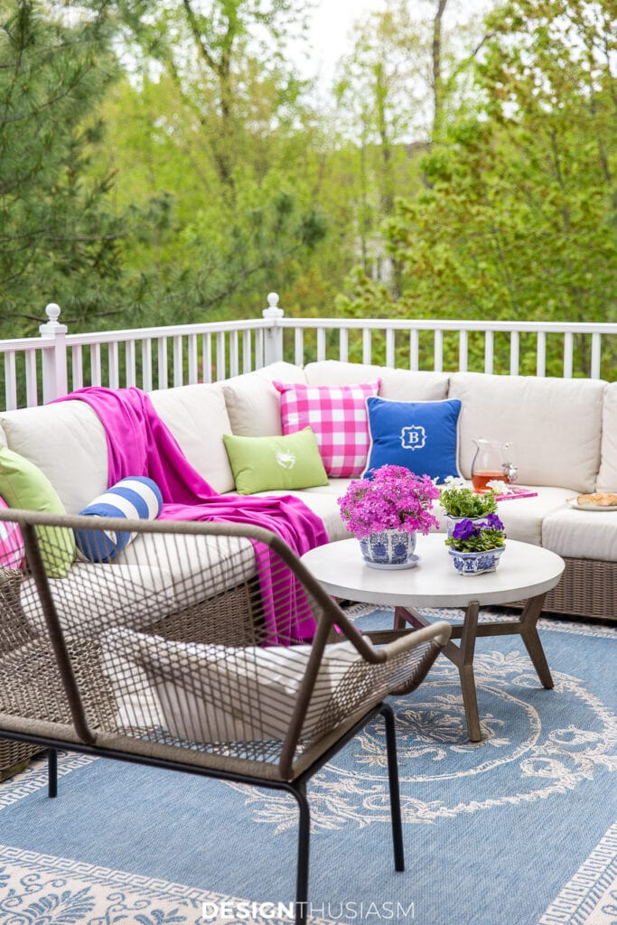 patio decor summer color
