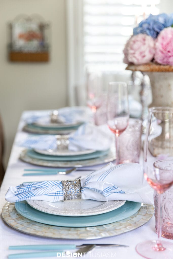retro summer table place settings