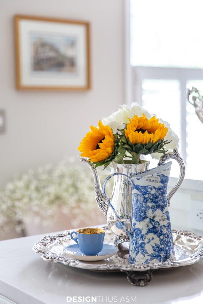summer kitchen decor with sunflowers