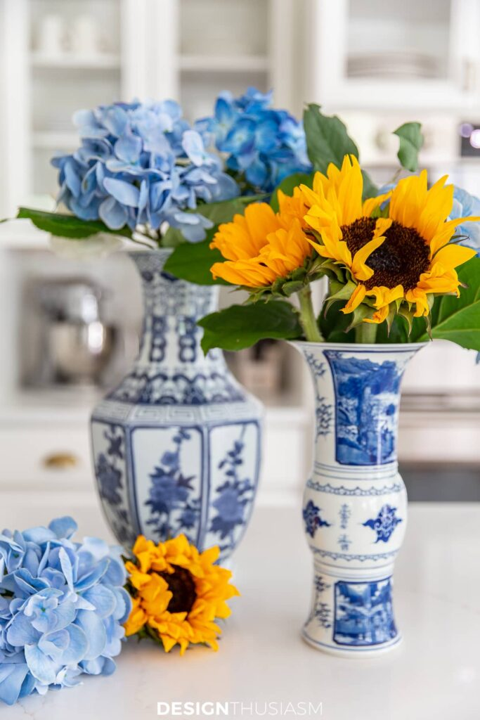 kitchen decor chinoiserie with summer flowers