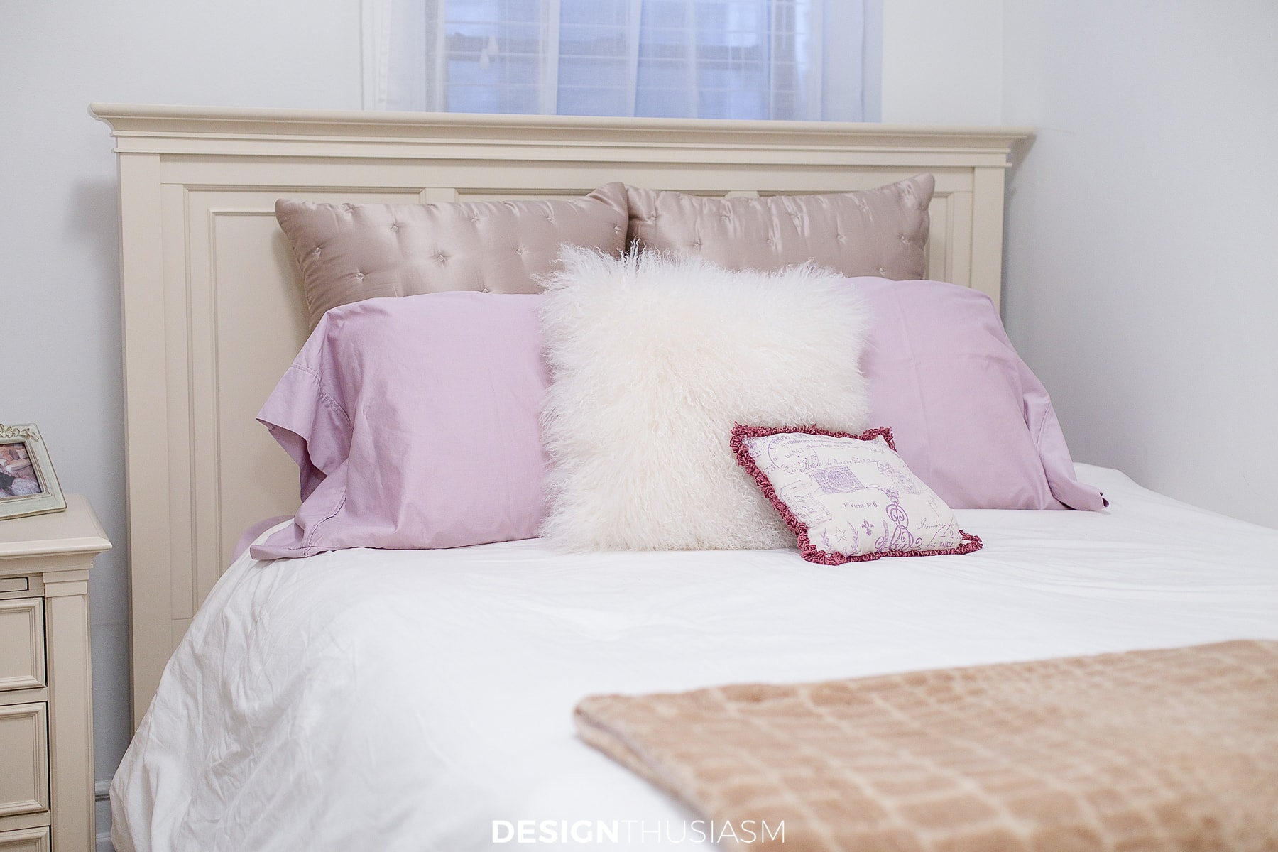 tiny bedroom ideas bedding