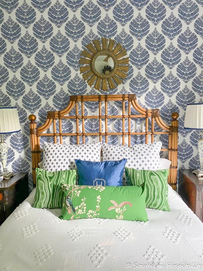 Grandmillennial-Guest-Room