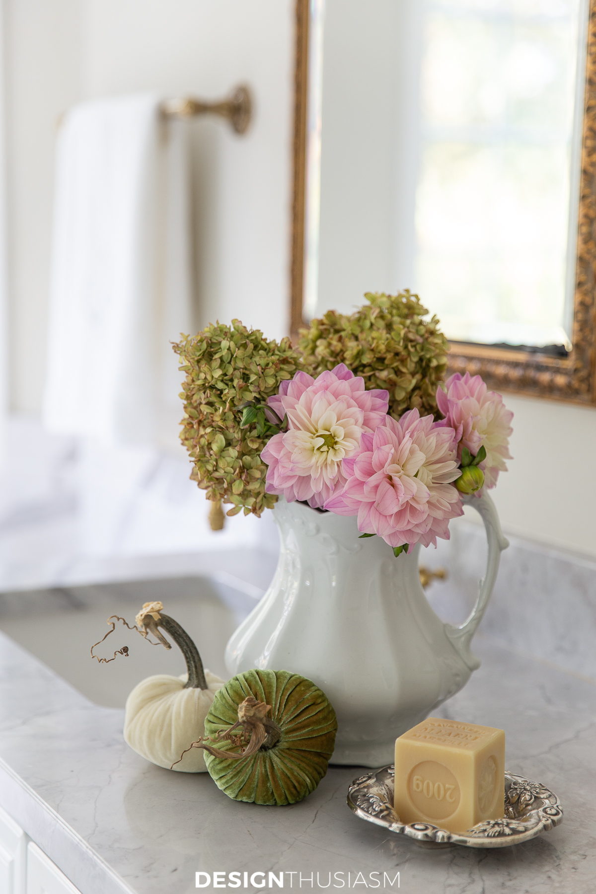 Fall Bathroom Decor: Easy Ways to Add Autumn Decor to Your Bathroom
